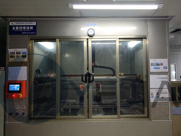 烨嘉光电10万级喷涂车间展示